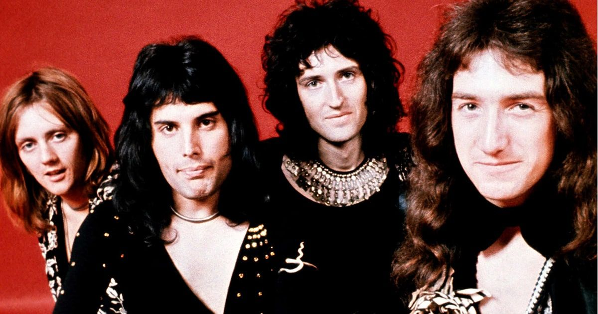 Hear Queen S Fast Version Of We Will Rock You From 1977 Bbc Session Freddie Mercury Queen Freddie Mercury Classic Rock And Roll