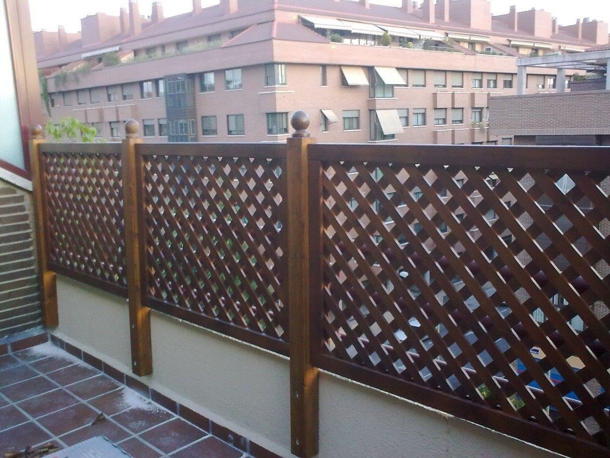 Celosias vallas jardineras bancos pergojardin decoracion exterior de madera pergolas for Casas con jardin