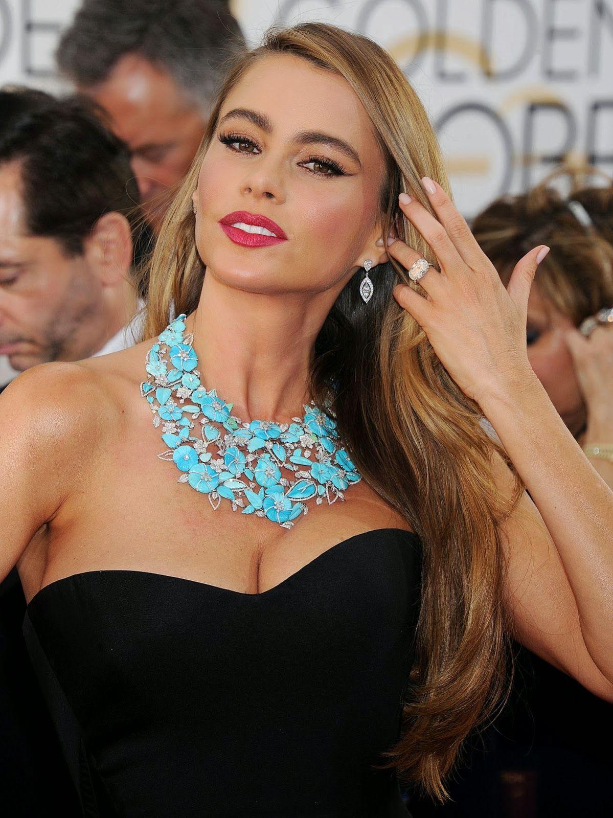 Sofia vergara lorraine schwartz jewels golden globe awards