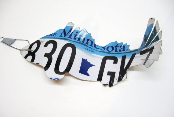 Being From Minnesota I Think This Is Unique Not Sure I D Buy It But I Like To See Creativity License Plate Art Walleye Walleye Fishing