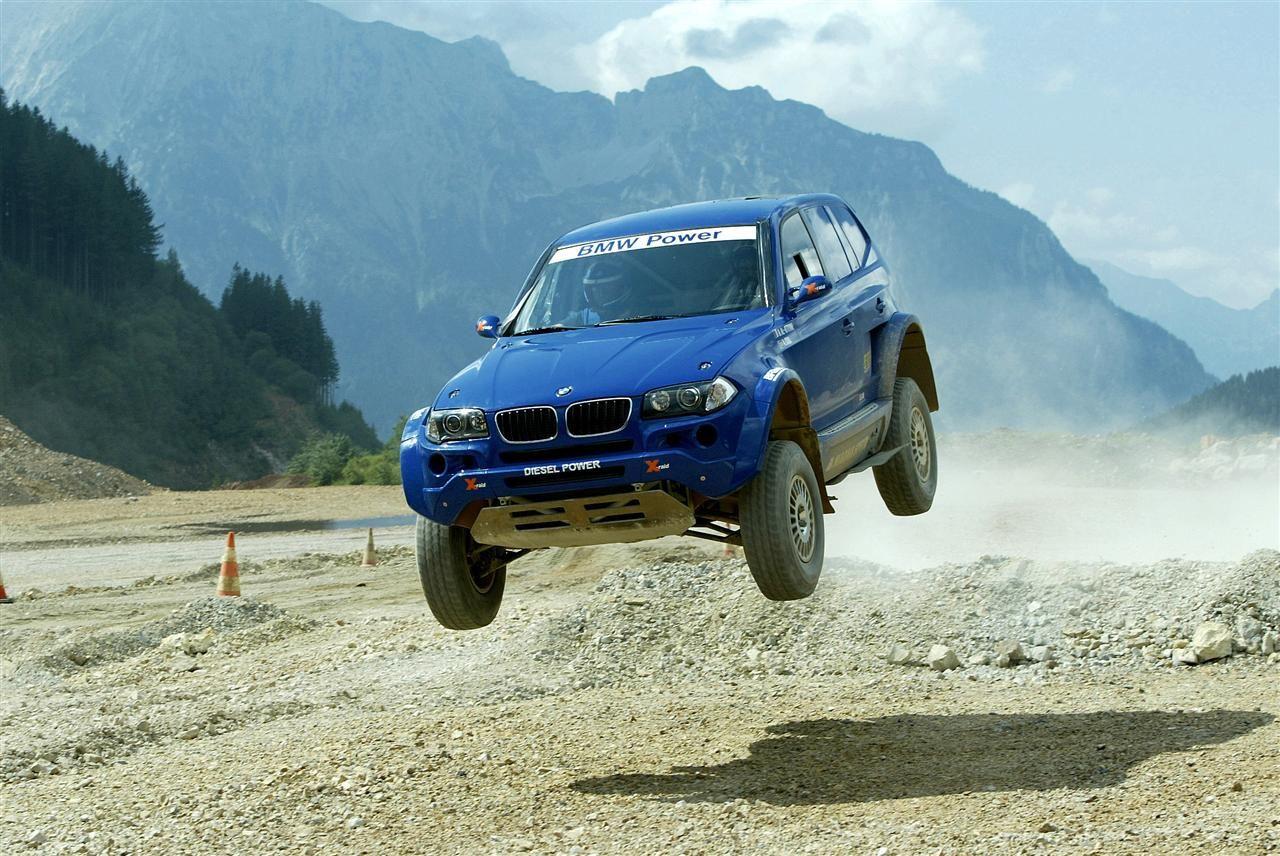 x raid x3 big jump desert rally raid bmw bmw x3 cars rh pinterest co uk