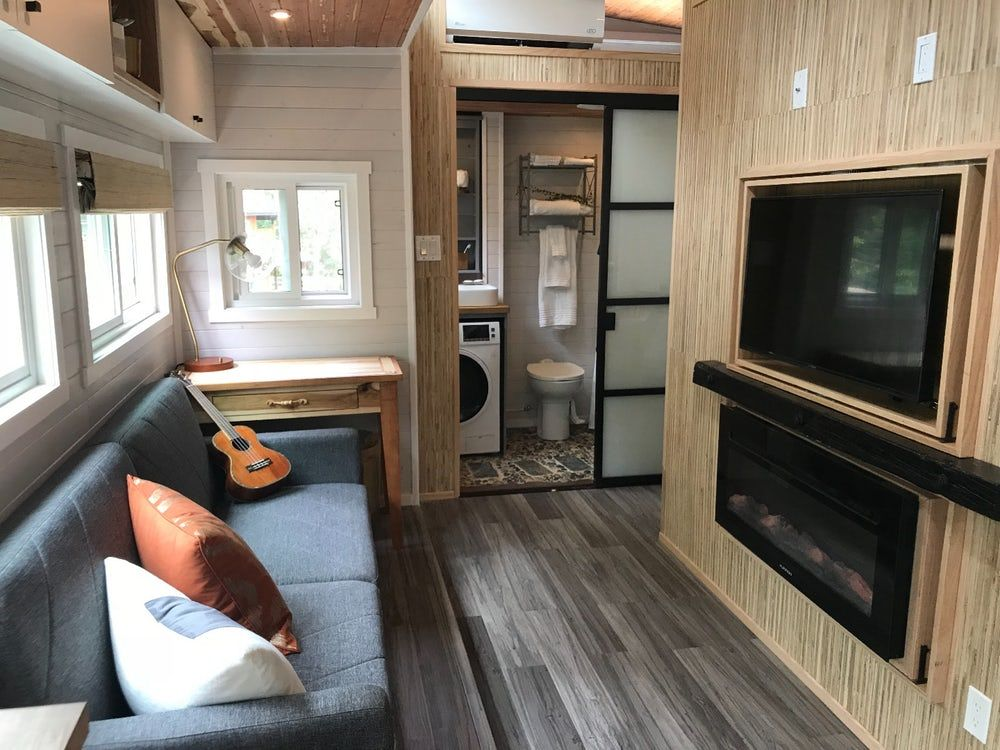 interview living in an expanding off grid tiny house tiny homes rh pinterest com