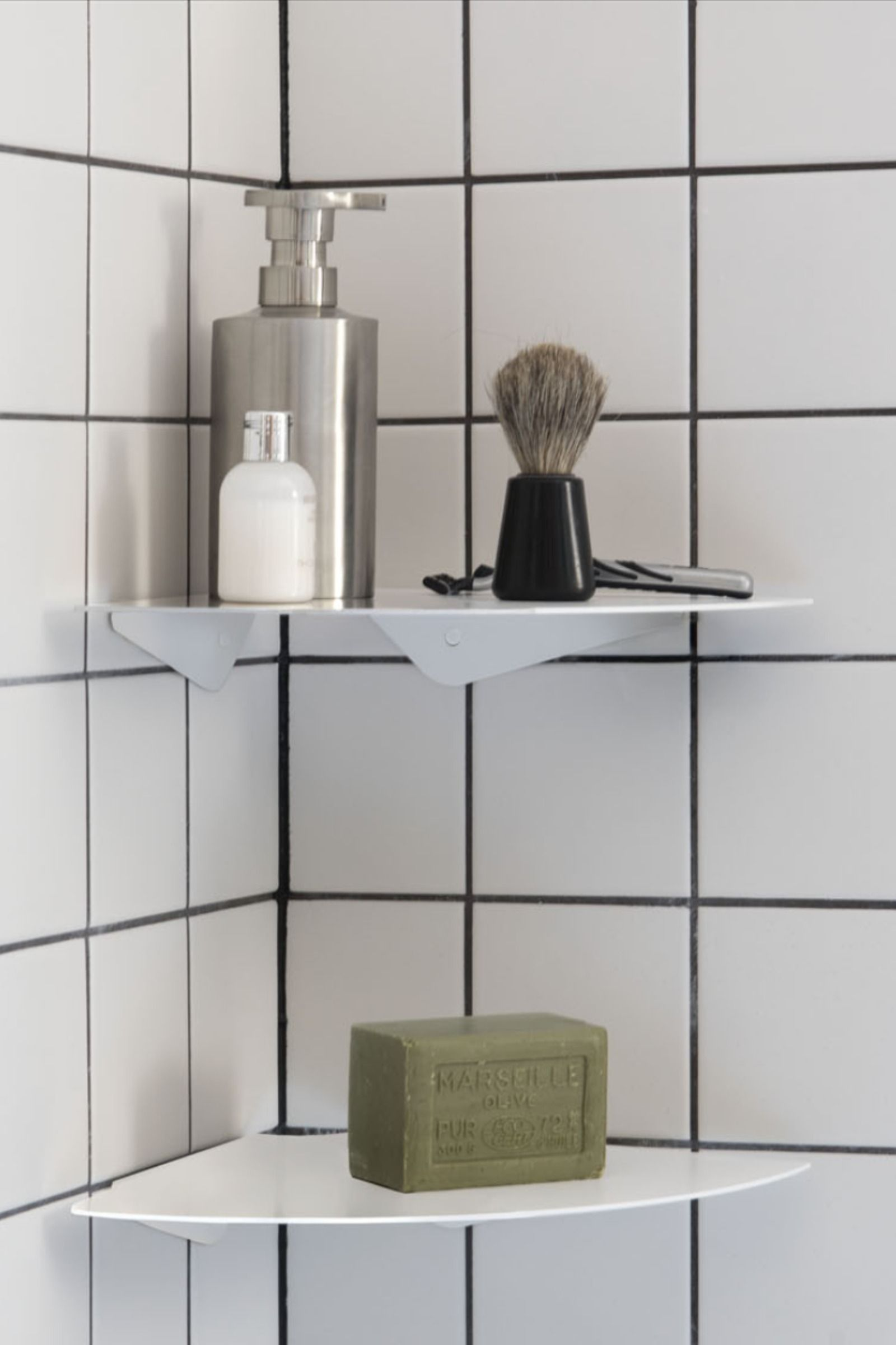 douche angle etagere salle