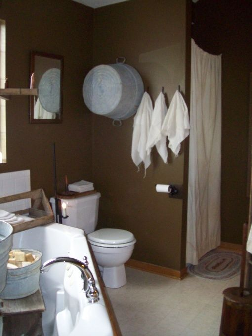 Primitive bathroom i like to play in dirt primitive - Country wallpaper borders for bathrooms ...