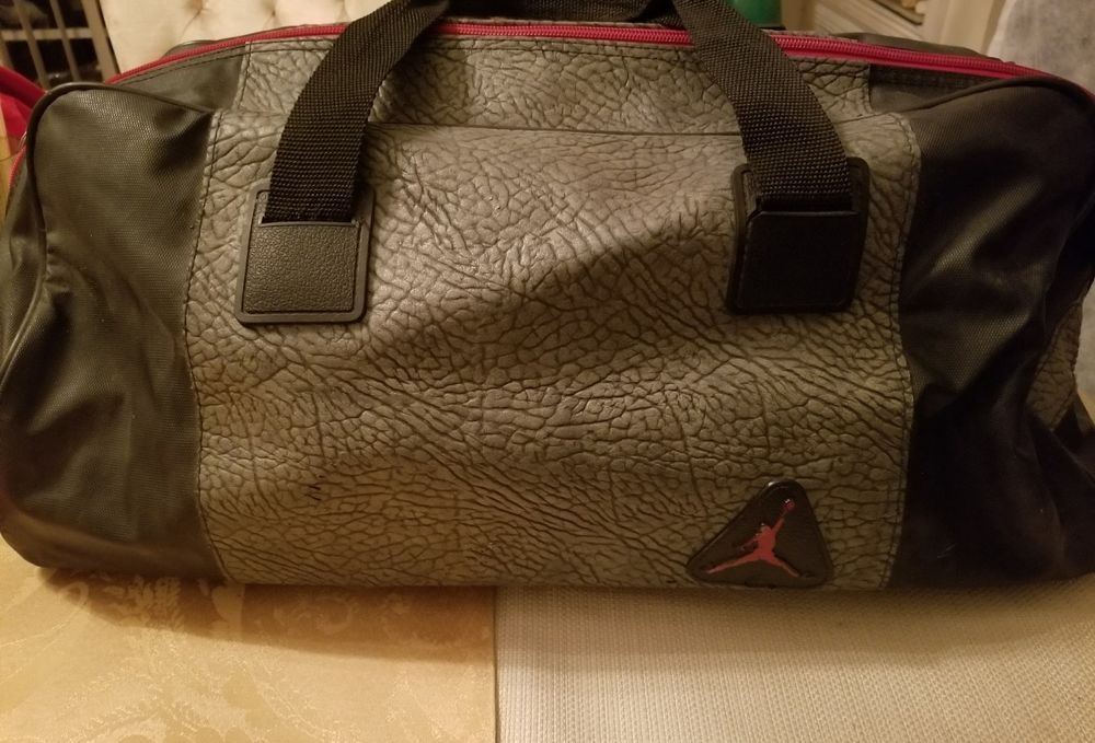 7f4cd28eaf6e Nike Air Jordan Retro 3 BLACK CEMENT Duffle bag Rare! Vintage HTF  Nike   DuffleGymBag