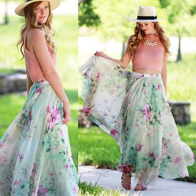 The prettiest summer maxi skirt. (Shop link in bio) #chicwish #chic #summer #green #maxiskirt #mint #style #ootd #outfit #blogger #fashionblogger #fashion #floral #flower #girly #girl