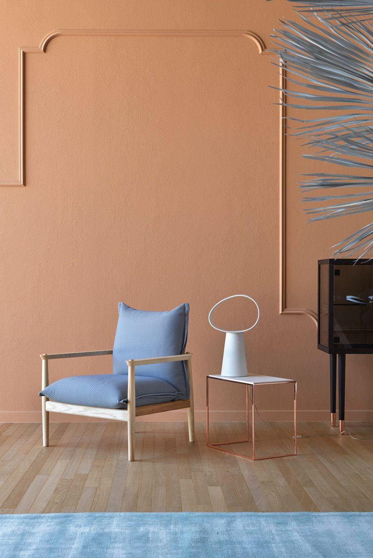 Komfortabler Lounge Sessel Sergia aus Massivholz wird von Miniforms ...