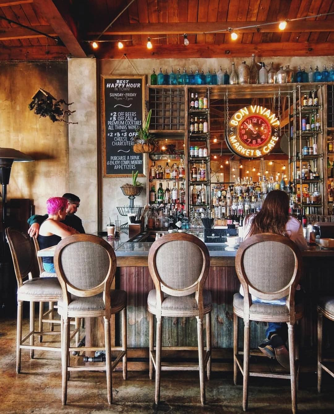 The Full Bar At Bon Vivant Market Cafe Is A Chill Place To