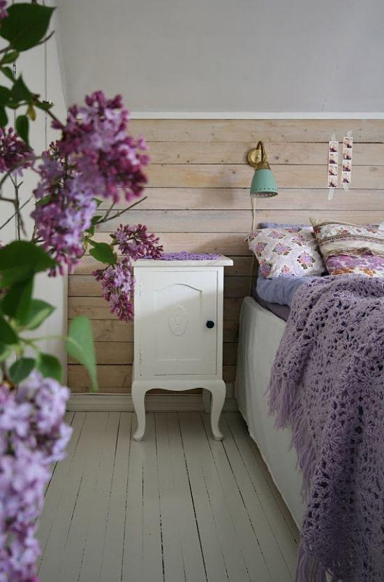 gestrickte decke schlafzimmer einrichten in fliederfarbe - schlafzimmer flieder