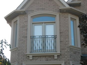 stucco window mouldings on brick - Exterior Window Moulding Designs