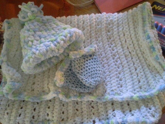 Premie baby hat,  mittens and blankie #premiebabyhats