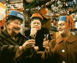 Christmas time on #CoronationStreet in the early 60s ...... fred67.com .......