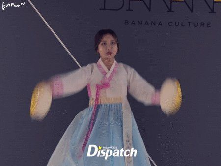 """EXIDear no Twitter: """"170126 Dispatch update- #EXID's talent show. our queen #LE is so funny XDD she got the highest marks btw lol link:https://t.co/yevpd5NGx8 https://t.co/hUQj6MNTgG"""""""