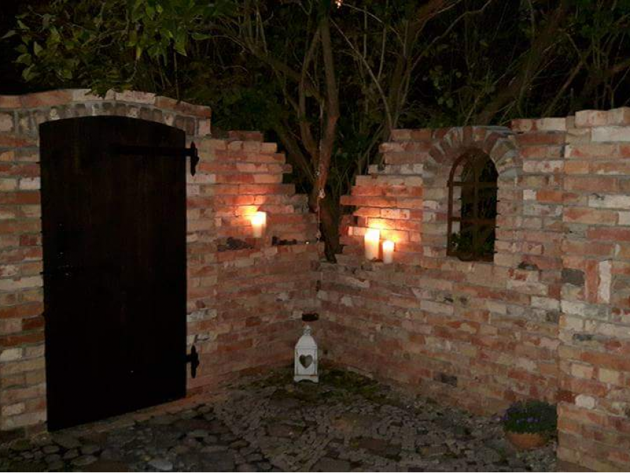 Toom Kreativwerkstatt Ruinenmauer Im Garten Selbst Gebaut Ruinenmauer Gartenmauern Garten