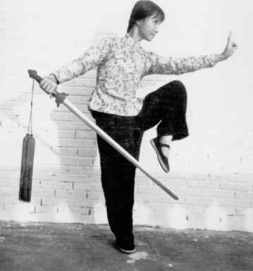 Another great shot of Bow Sim Mark practicing her straight sword