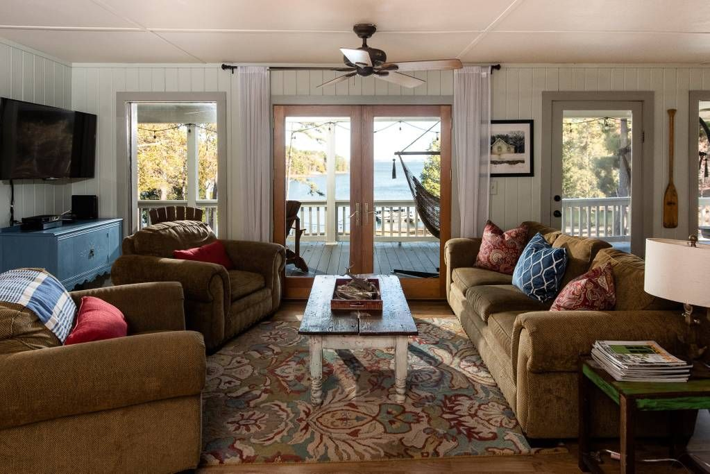 Great dam view lakefront 4br3b at lake hartwell