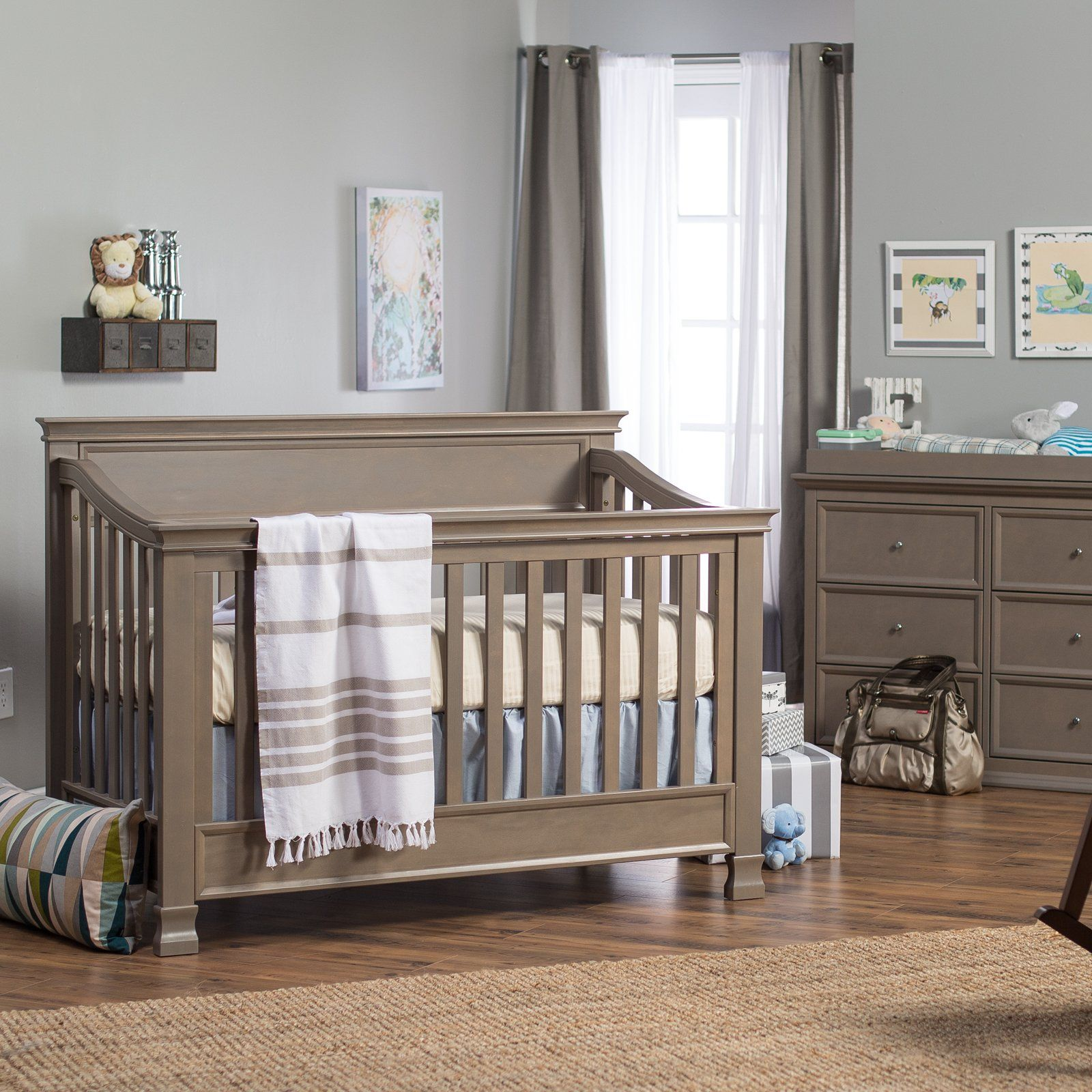 Million Dollar Baby Clic Foothill 4 In 1 Crib Collection