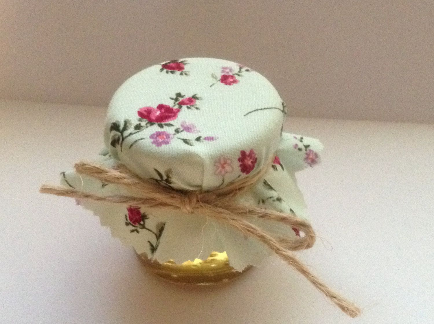 wedding favors ideas do it yourself%0A Do It Yourself Mini Jar Wedding Favour Fill with Preserves  candy or bath  salts