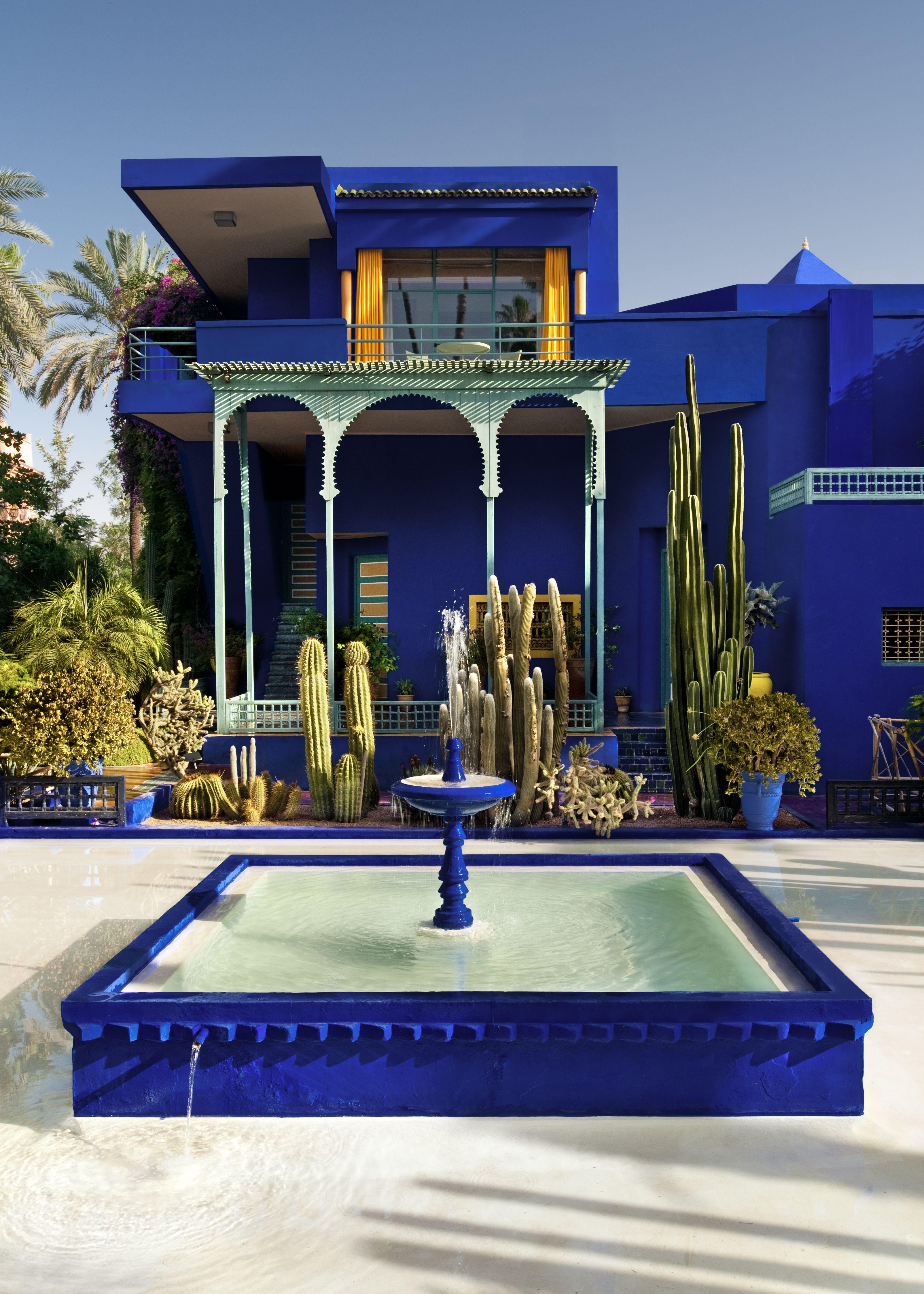 La fontaine carrée bleu du Jardin Majorelle   Morocco   Travel ...