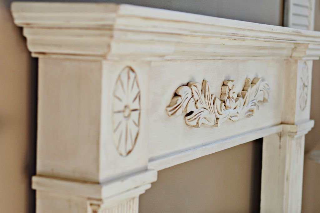 Love the antique look but your piece isn't an antique? It's an easy process and looks amazing! Easy tutorial on the blog using Annie Sloan Chalk Paint, Annie Sloan Clear and Dark wax and Mineral Spirits.
