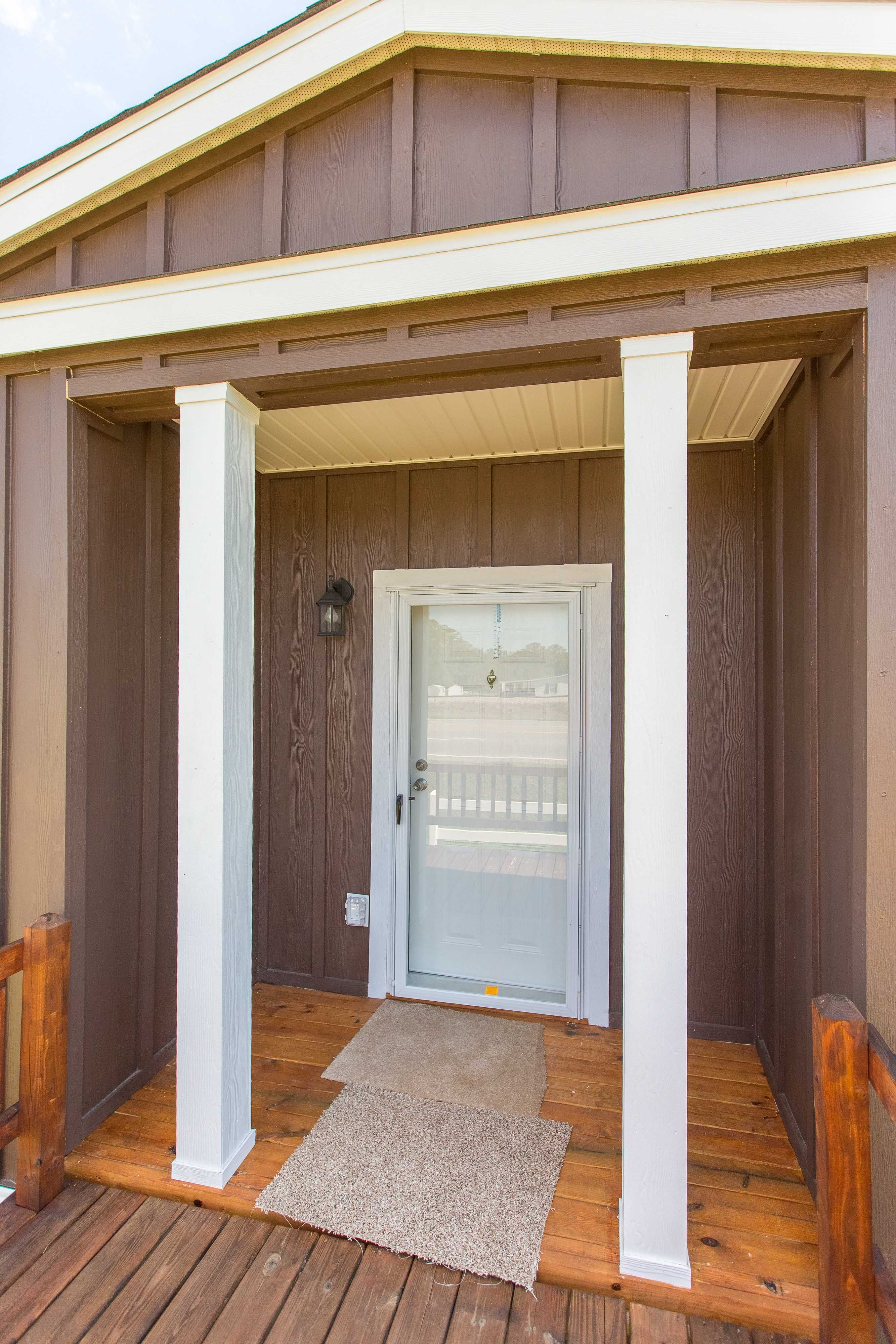 Porch Entrance - MartyWrightHomes com - Heritage - Manufactured Home