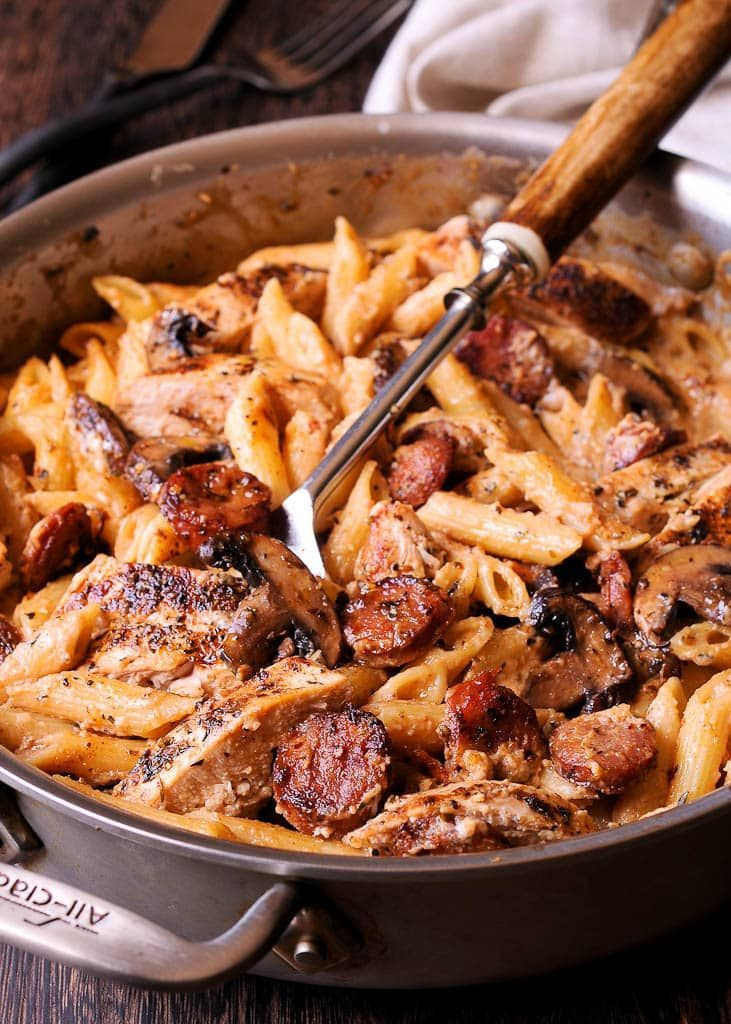 Creamy Cajun Chicken and Sausage Pasta #cajundishes