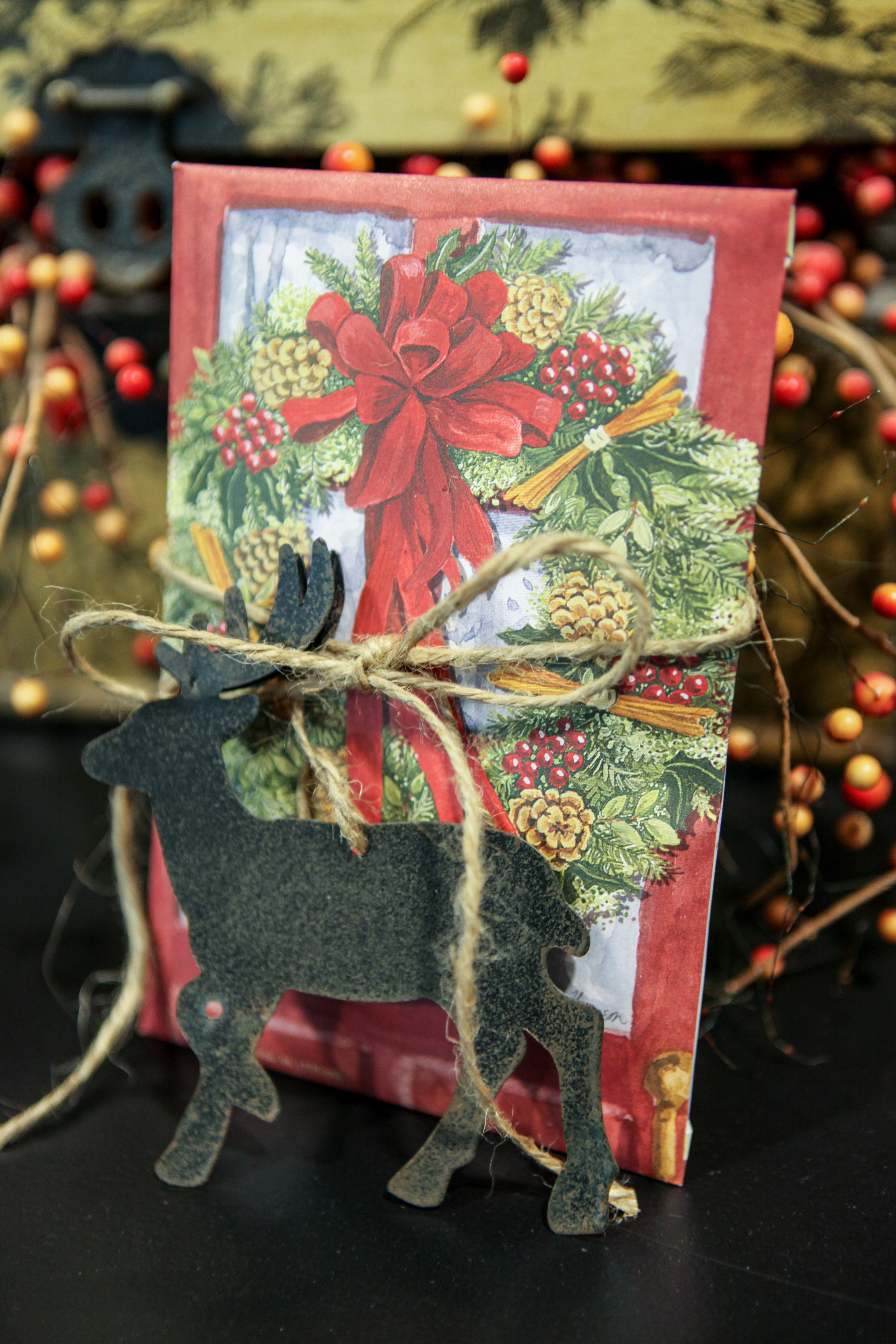 Red Door Wreath Sachet from Fresh Scents