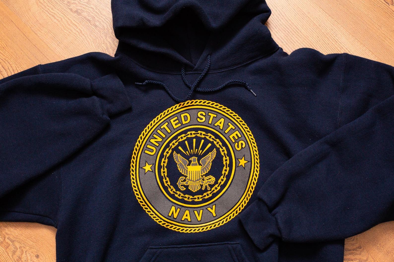 90s United States Navy Hoodie Sweatshirt S M Vintage 1990s Etsy Navy Hoodie Sweatshirts Sweatshirts Hoodie [ 1059 x 1588 Pixel ]