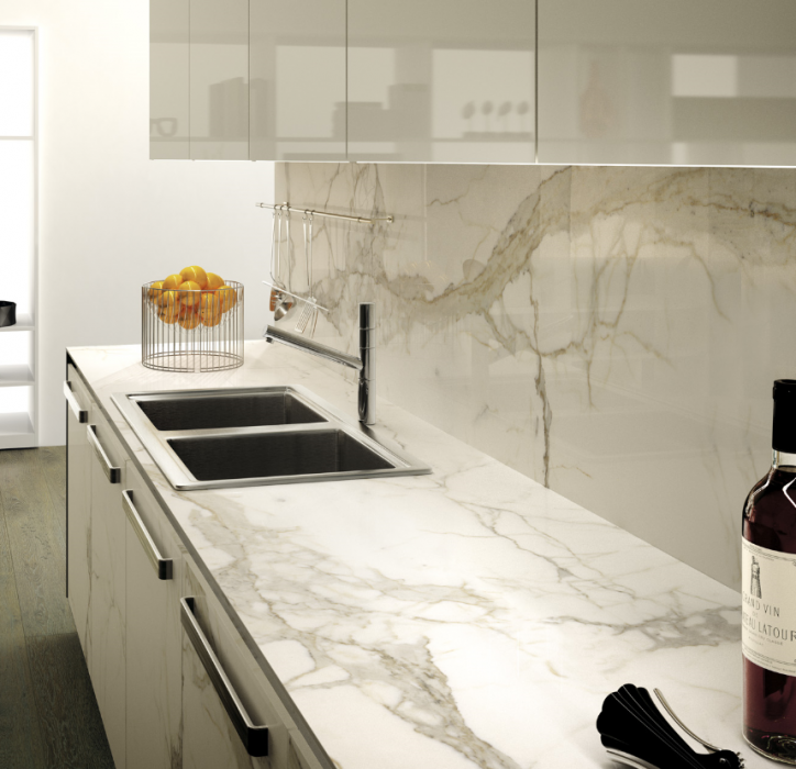 Calacatta Polished Large Format Tile L315165MF6