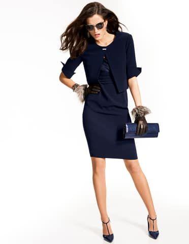 Bolerojacke mit 3/4-Ärmeln, Elegantes Kleid mit kurzen Ärmeln, T-Spangenpumps mit hohem Absatz, Lacktasche, Sonnenbrille mit Metallrahmen, Damen Lederhandschuhe mit echtem Pelz