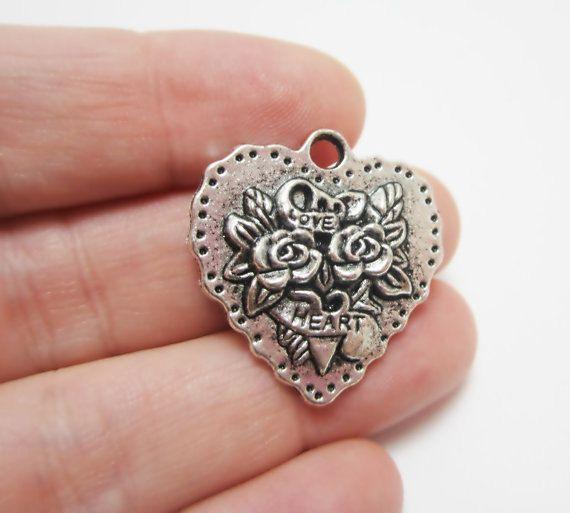 1 Large Antiqued Silver Flower Heart Charm Pendant Believe Love Bouquet Flowers 4202