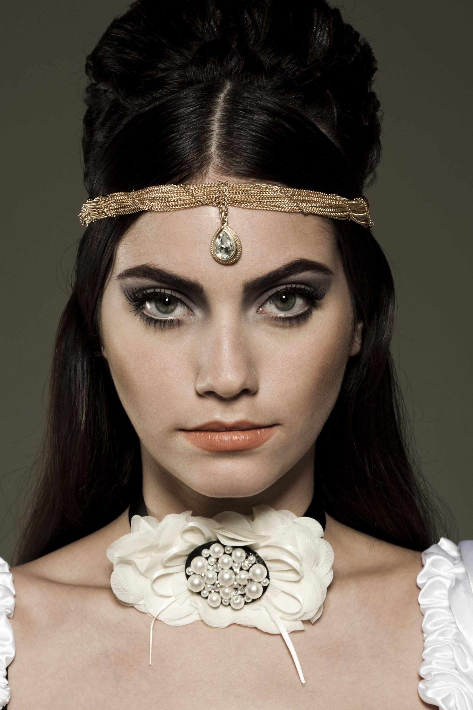 Megera Domada de Shakespeare.  Para o concurso Conexão Beauty da Avon.  Foto: Vitor Shalom  Beauty: Camila Adi