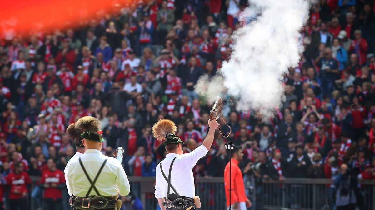 + Fußball, Transfers, Gerüchte +: Klopp baggert offenbar an Bundesliga-Keeper