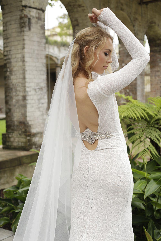Minimalist Soft Tulle Veil Modern Wedding Veil Raw Edge Etsy Simple Wedding Veil Soft Tulle Veil Wedding Veil [ 1500 x 1000 Pixel ]