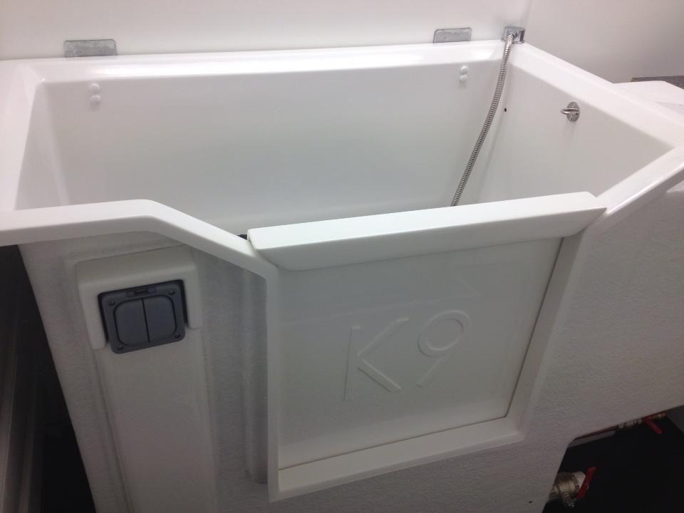 Our K9 Hydro Bath At Www Muddypawsmobilegrooming Co Uk Luxury Dog