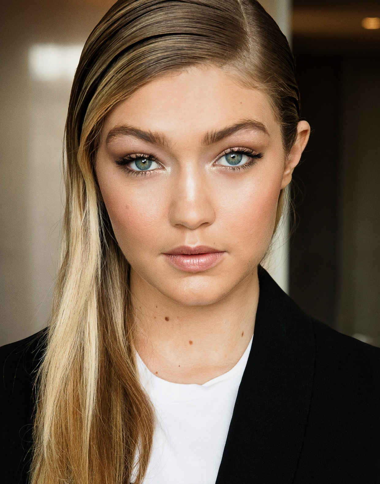 Gigi Hadid in Maybelline makeup deftly applied by Maybelline pro Grace Lee. Gigi was in Toronto Sunday night to present at the Much Music Video Awards.