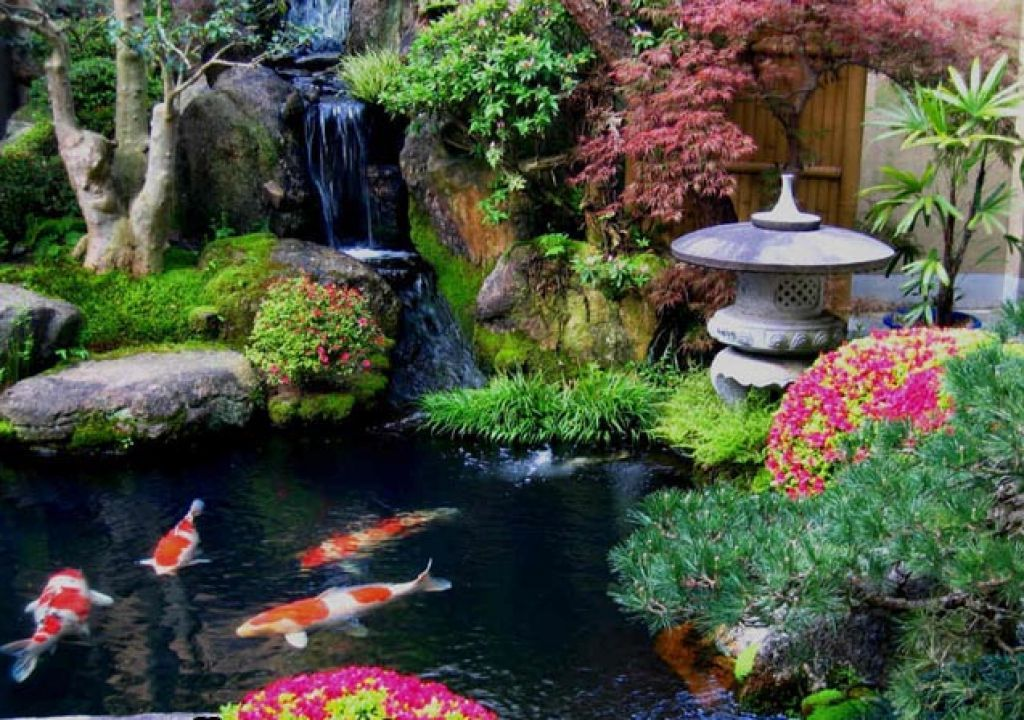 Garden make beautiful small japanese garden beautiful for Japanese koi water garden