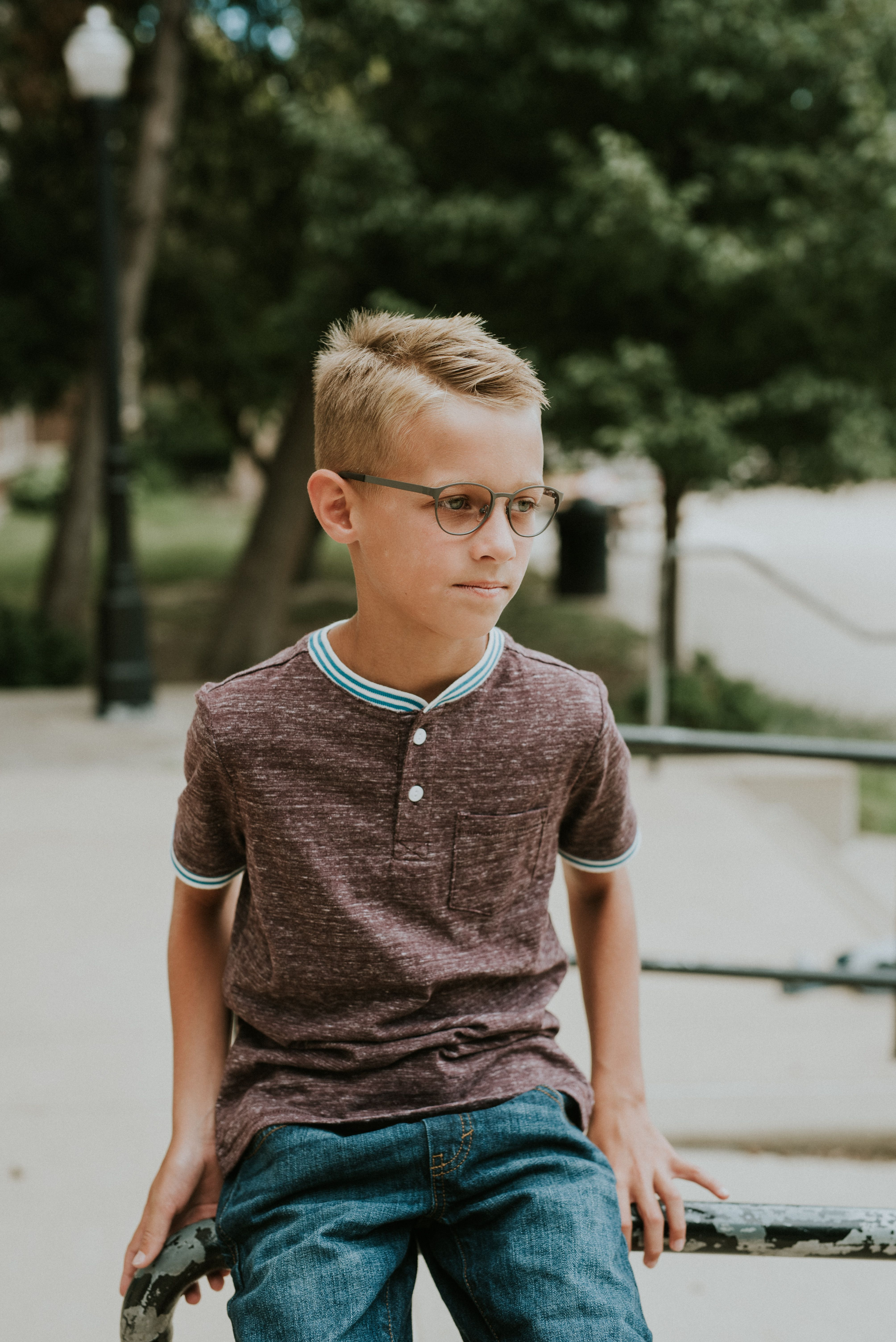 ce4f6e3faa0 ... frame is the perfect mix of a delicate yet flexible material. The  timeless colors available are sure to complement every kid s face shape and  size.