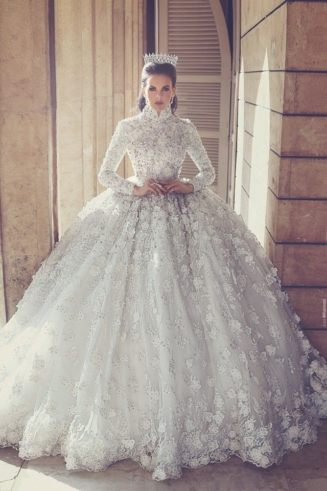 10 OVER THE TOP WEDDING GOWNS | Gowns & Party Dresses | Pinterest ...