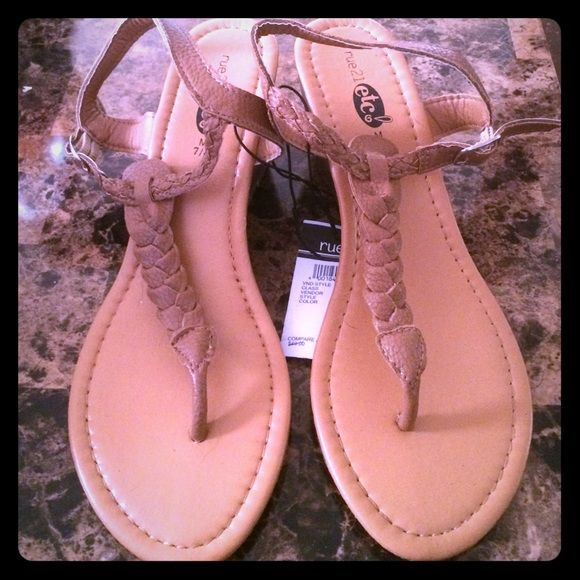 Rue21 Sandal Wedges NWT Size M (7/8) Rue 21 Shoes Wedges