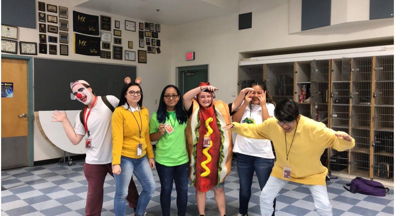 Meme Day Meme Costume Spirit Week Outfits Cute Halloween Costumes For Teens