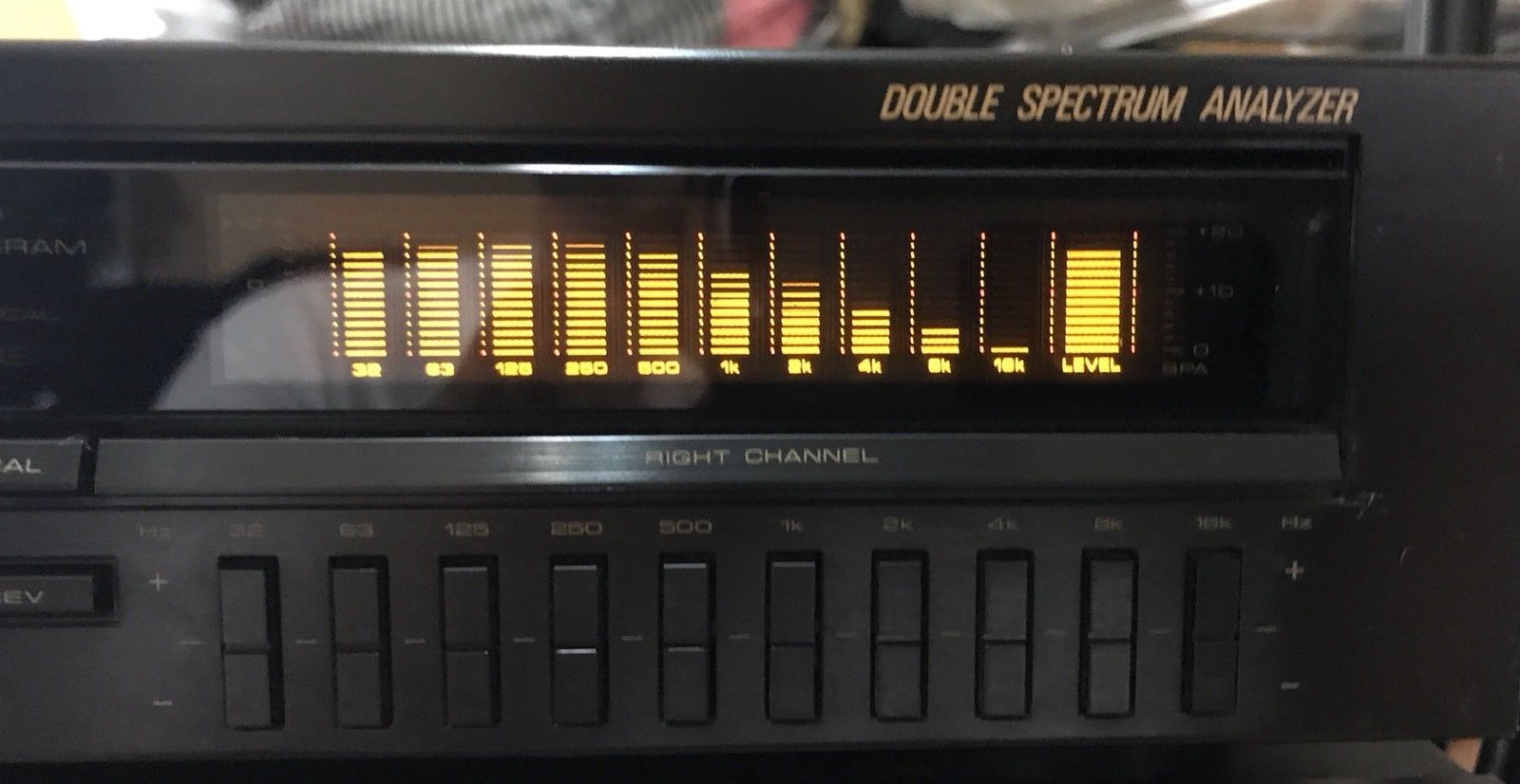 Pioneer GR-777 Stereo Graphic Equalizer | HiFi Heaven | Spectrum