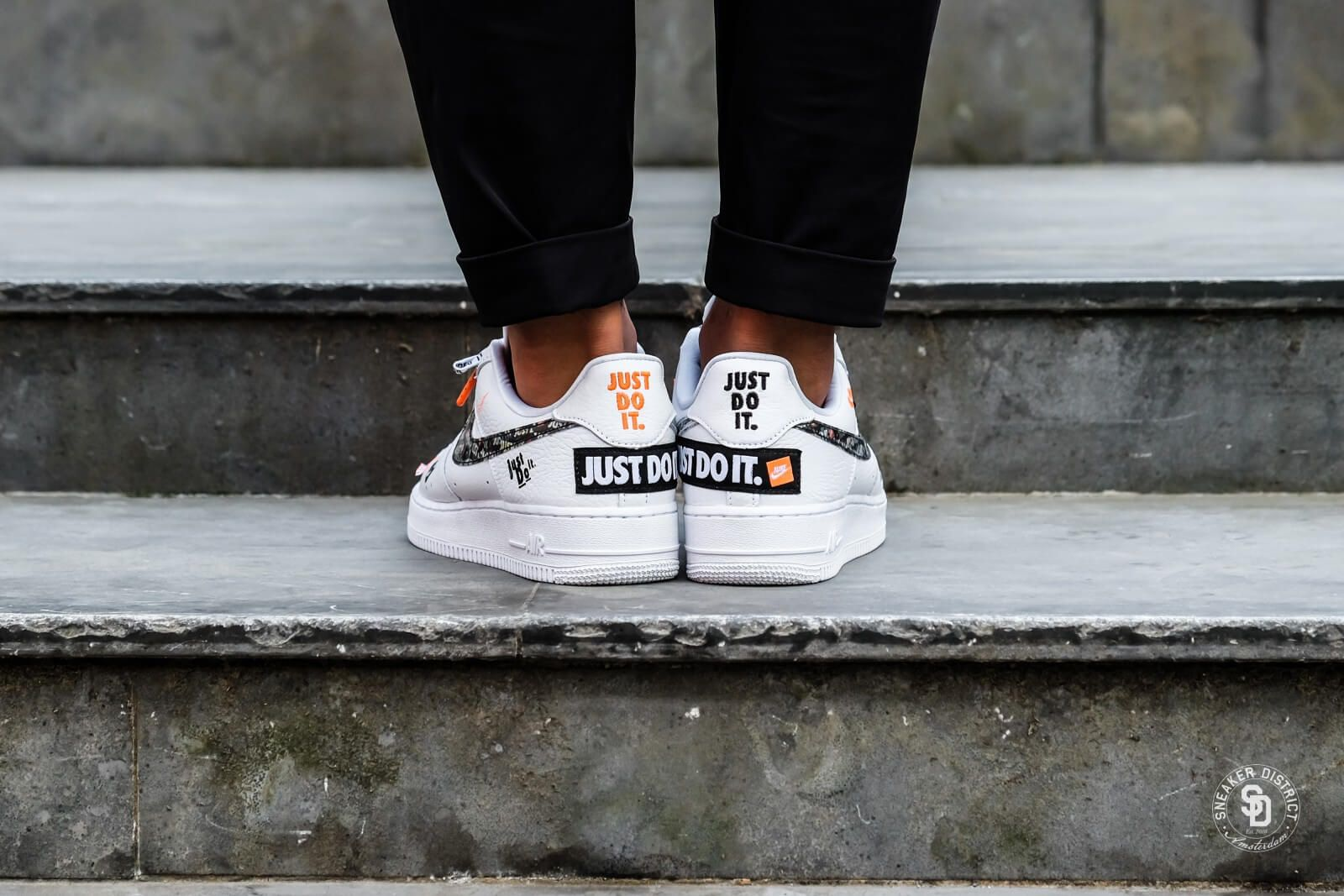 Nike Air Force 1 07 Just Do It White Black Total Orange