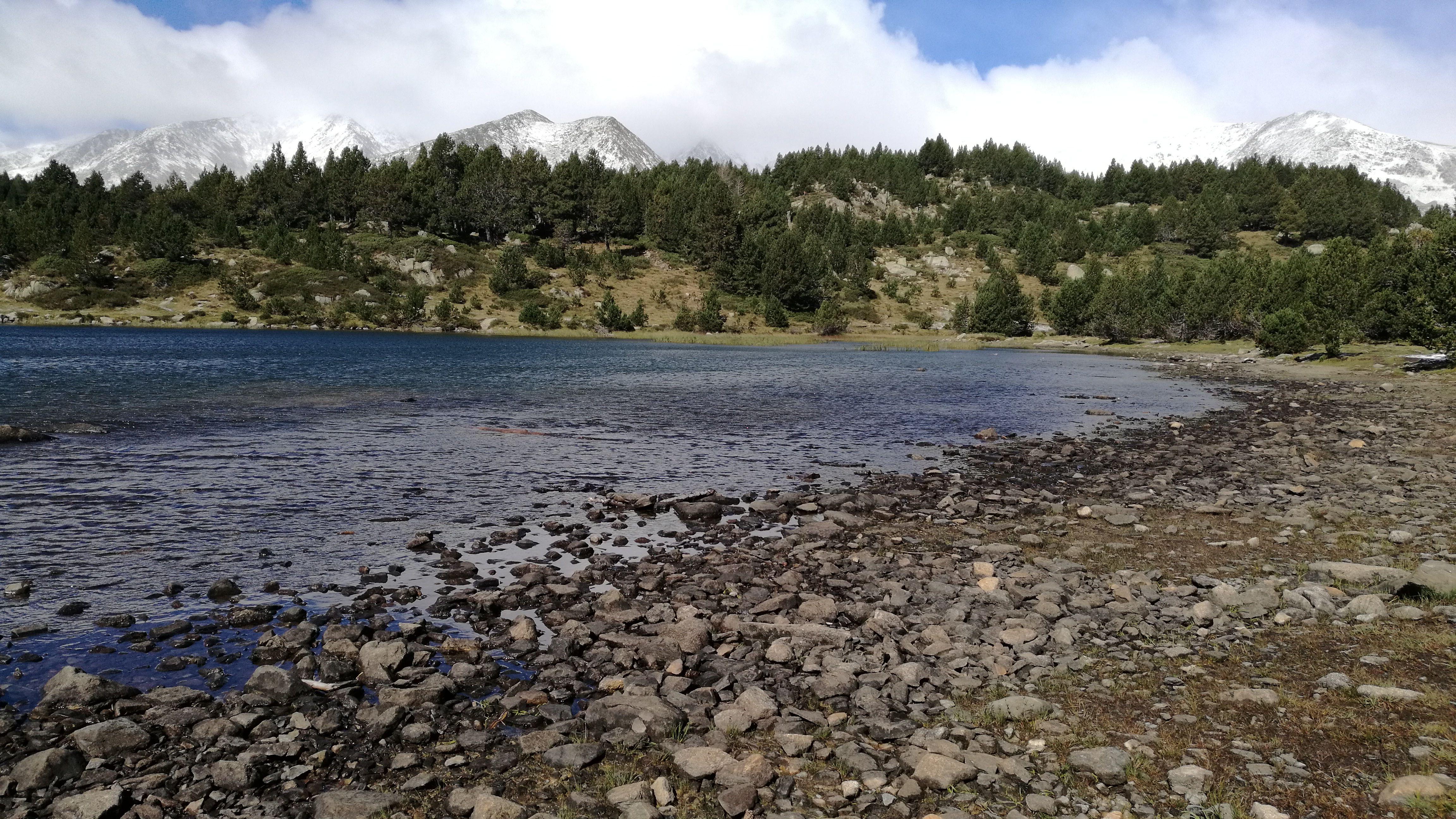 De nuevo el lago le Negre, casi parece un día distinto