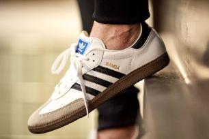 Der ultimative Sneaker Battle: ADIDAS Samba vs. NIKE Cortez