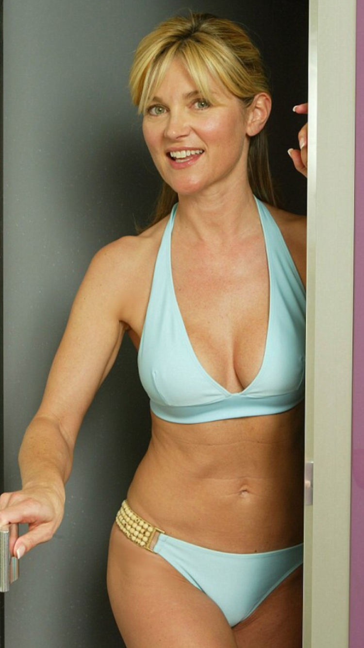 Pin by Annalise Weller on Anthea Turner (age 57) | Sexy, Swimwear ...