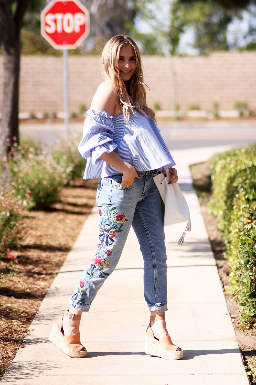 Embroidered jeans for spring tips styling embroidery