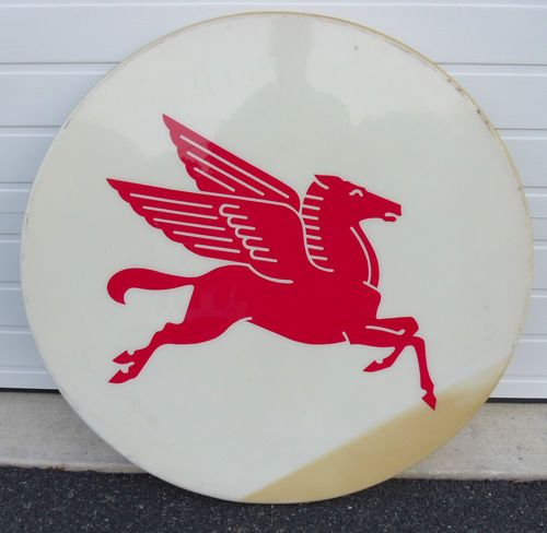 Now THIS is one of MY favs! I always LOVED the winged horse .... Large Mobil Pegasus Lighted Gas Oil Sign (for the studio walls)