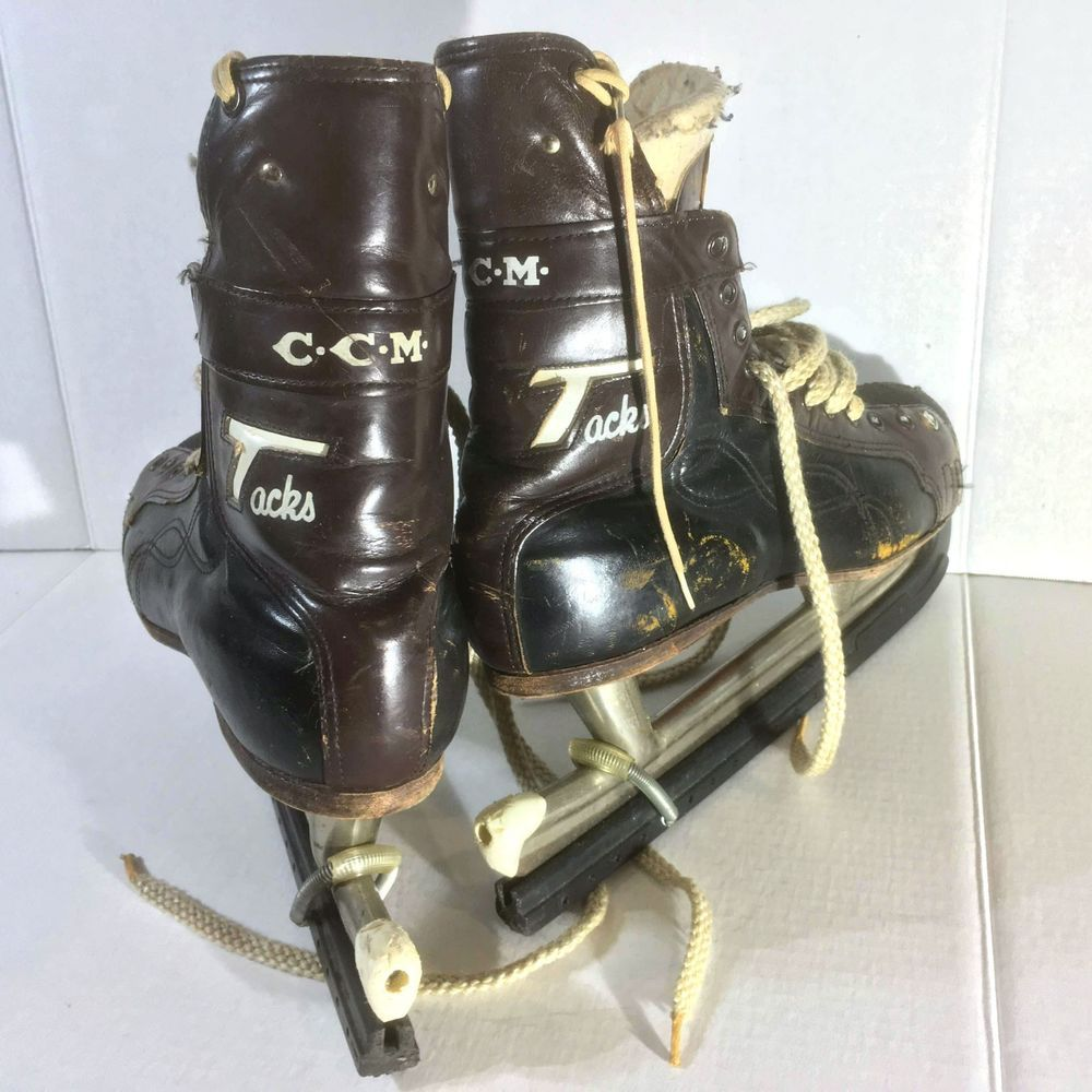 ddedaeb45 Vintage CCM Tacks Leather Tackaberry Prolite Skates Men s 9 with Skate  Guards  CCM