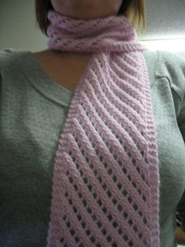 Diagonal Lace Scarf | Learn to crochet/knit | Pinterest | Encaje ...